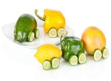 Trein die van diverse geïsoleerdi fruit en groenten wordt gemaakt Royalty-vrije Stock Fotografie