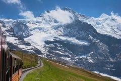Trein door de Alpen royalty-vrije stock foto