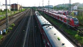 Trein en van het Wagensvervoer Spoorwegen in Duitsland stock footage