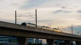 Trein, Luchthavenverbinding (Stadslijn) stock footage