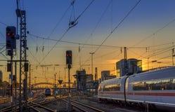 Trein op trackage bij centrale post in München Royalty-vrije Stock Fotografie