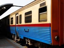 Trein in railstation Stock Afbeelding