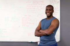 Treinador africano do gym imagens de stock royalty free