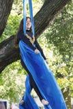 Treinamento da menina em sedas no ar livre Imagem de Stock