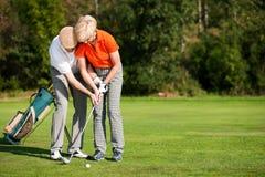 Treinamento do golfe no verão fotos de stock royalty free