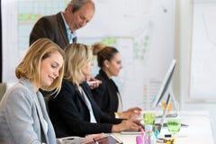 Treinamento do negócio no escritório Fotografia de Stock