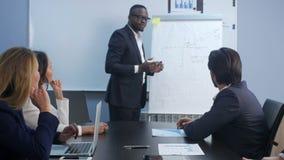 Treinamento do negócio no escritório vídeos de arquivo