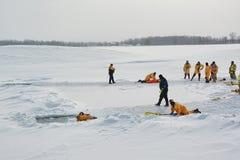 Treinamento do salvamento do gelo Foto de Stock Royalty Free