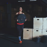 Treinamento duro do Gym Imagens de Stock