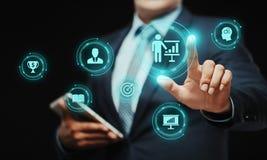 Treinando o conceito do ensino eletrónico do desenvolvimento do treinamento do negócio de educação da tutoria Imagem de Stock Royalty Free