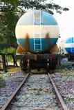 Treine o óleo ao outro lugar, negócio de transferência da carga para o óleo de transferência da estação ao outro lugar Fotografia de Stock