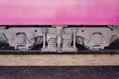 Treine o vagão com quadro, molas de bobina, rodas e rolamentos do eixo Imagem de Stock Royalty Free