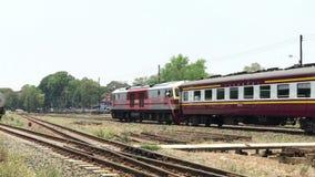Treine a rota Banguecoque e Chiangmai em Chiangmai Statio Railway, video estoque