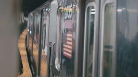 Treineinden in metro stock video