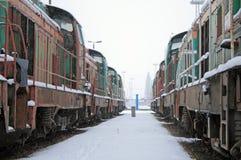 Treinen in het depot stock afbeelding