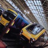 Treinen in Manchester Piccadilly Royalty-vrije Stock Afbeeldingen