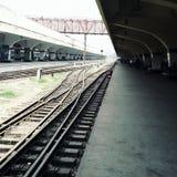 Treinplatform in Bangladesh Stock Afbeeldingen