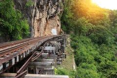 Treinrit op de rivier Kwai, Thailand van de Doodsspoorweg Royalty-vrije Stock Foto
