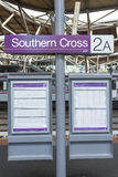 Treintijdschema, Zuidelijke Dwarspost, Melbourne, Australië Royalty-vrije Stock Afbeelding