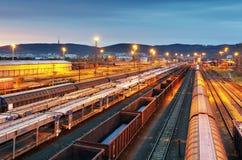 Treinvracht - de industrie van de Ladingsspoorweg Royalty-vrije Stock Foto's