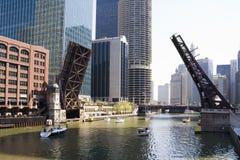 Trek bruggen van Chicago stock foto's