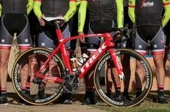 Trek de fiets van het teamseizoen tijdens opleidingskamp wordt voorgesteld in Mallorca dat royalty-vrije stock foto