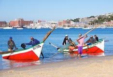 Trek de Stad van vissersbotensimon Stock Afbeeldingen