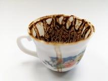 Trek ` t zorgen aan voor de koffiekop na het drinken van Turkse koffie royalty-vrije stock foto's