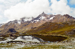 Trek van Ausangate, Peru stock afbeelding