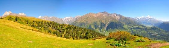Trek van Mestia panorama, Svaneti Georgië Stock Afbeelding