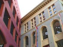 trekantiga byggnader Royaltyfri Foto