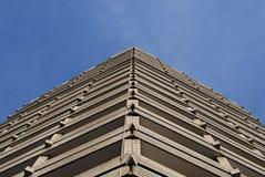trekantigt byggande Royaltyfri Fotografi