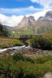 Trekker de la montaña Fotos de archivo libres de regalías