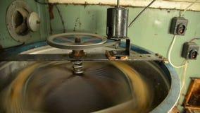 Trekker met elektrische aandrijving met honingskam stock footage
