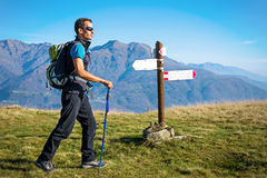 Trekker przy rozdrożem Obraz Stock