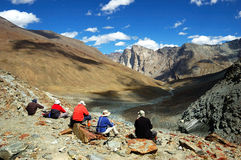 Trekkers Himalayagebergte royalty-vrije stock foto