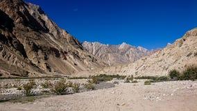 Trekking местность следа K2, ряд Karakoram, Пакистан, Азия стоковое изображение rf