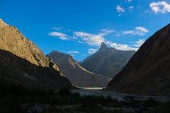 Trekking местность следа K2, ряд Karakoram, Пакистан, Азия стоковые фото