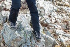 Trekking auf dem Hochgebirge lizenzfreies stockfoto