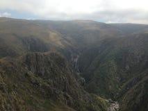 Trekking av Quebradaen Yatan från Cumbrecita, CÃ-³rdoba, Argentina royaltyfria foton