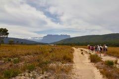 Trekking in Canaima-Park lizenzfreies stockbild