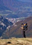 Trekking com um bebê Fotografia de Stock
