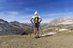 Trekking dans les alpes Image libre de droits