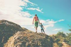Trekking dans les montagnes Images libres de droits