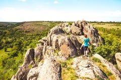 Trekking dans les montagnes Images stock
