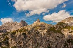 Trekking in de Italiaanse Alpen rond de Drie Pieken Royalty-vrije Stock Foto's