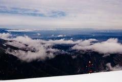 Trekking de l'hiver dans Fagaras Photos stock