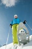 Trekking de raquette dans la neige Photos libres de droits