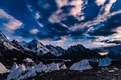 Trekking del Pakistan Karakoram K2 fotografie stock libere da diritti