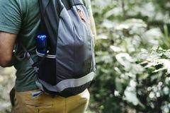 Trekking dell'uomo Fotografia Stock
